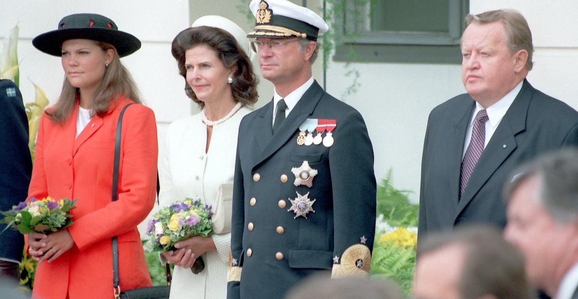 Kuningaspari ja Victoria Helsingissä 1996.